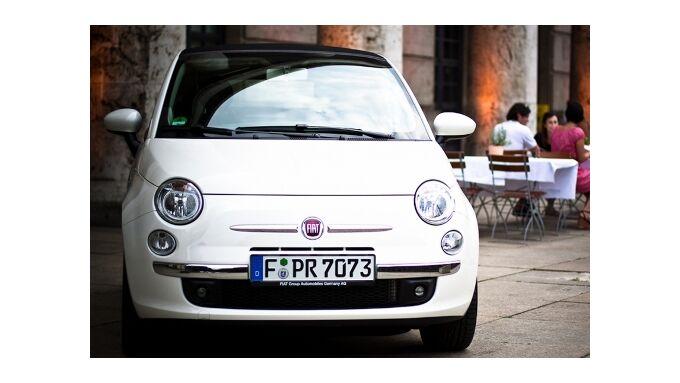 Fiat 500 und Punto Evo mit neuen Navis