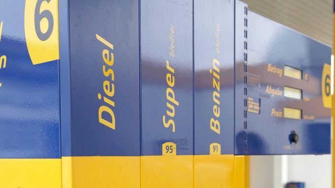 Vergleich Erdgas, Diesel Benzin Tankstelle
