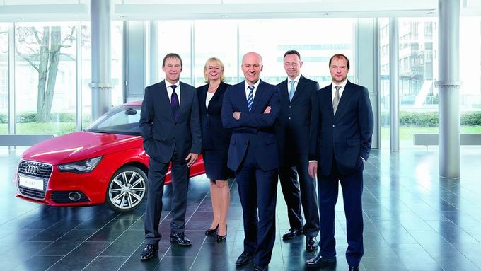 Volkswagen Financial Services, Vorstand