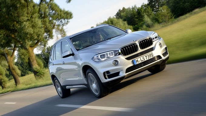 fahrbericht bmw x5 xdrive40e anschluss als plug in hybride firmenauto. Black Bedroom Furniture Sets. Home Design Ideas