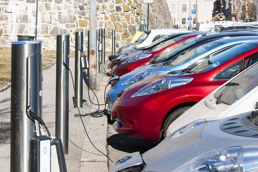 Elektromobilität E-Auto Ladesäule Strom