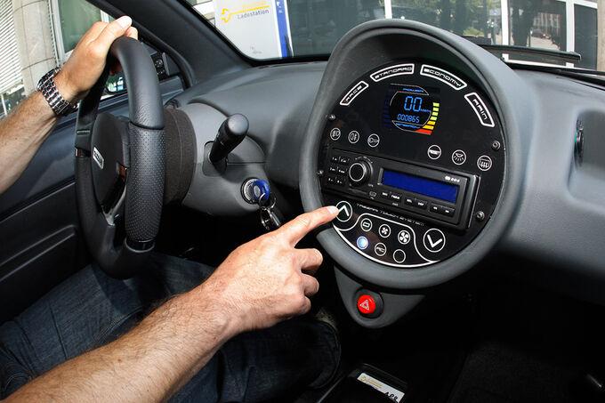 Fahrbericht Tazzari Zero SE, Steckdose, Motorhaube