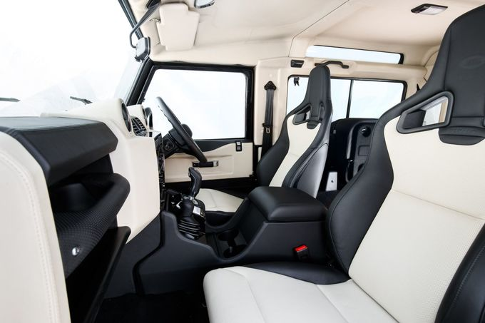 Land Rover Defender V8 2018