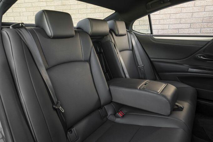 Lexus ES 2019, Sitze, hinten