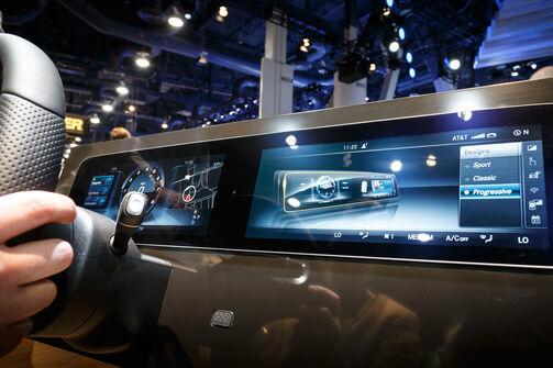 Mercedes, E-Klasse Cockpit