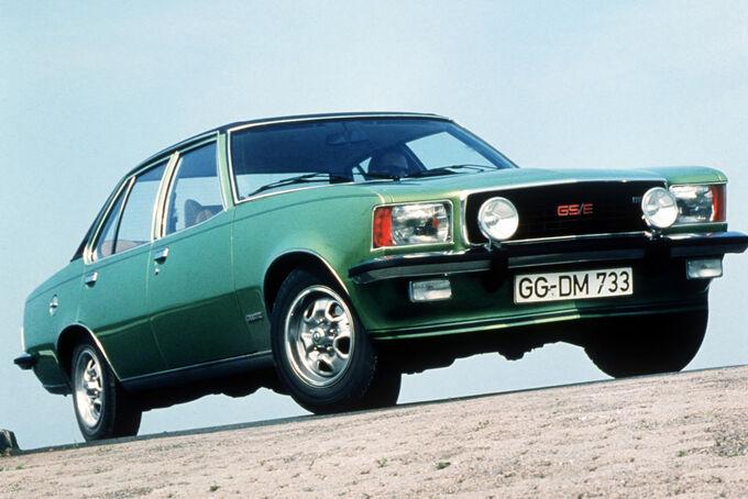 Opel Rekord D, Commodore