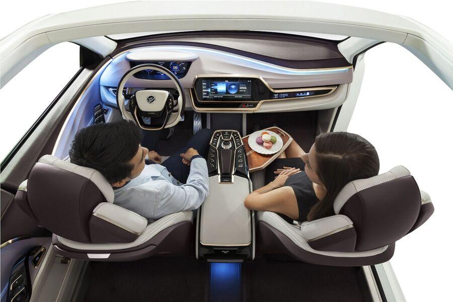 Pkw innenraum der zukunft wenn das auto von alleine f hrt for Interieur der zukunft