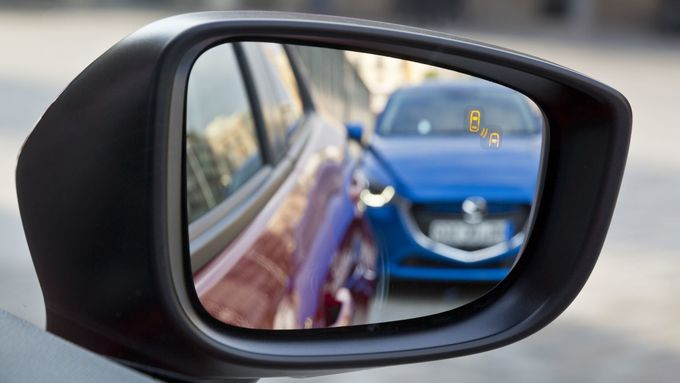 Totwinkelwarner Mazda